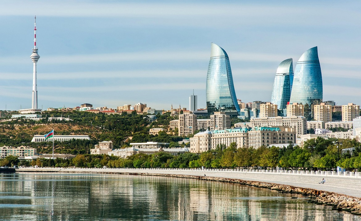 baku-bay-and-the-baku-skyline1170
